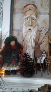 folk-art-santa